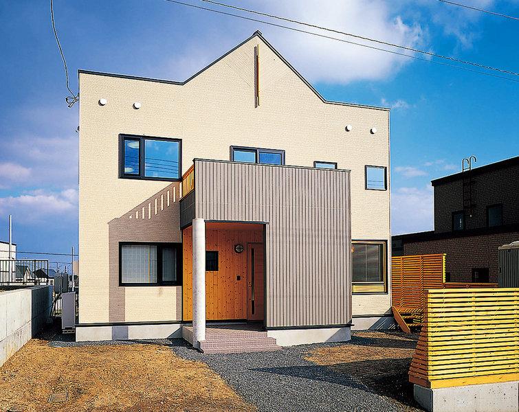 コンパクトかつシンプルで機能的な住宅
