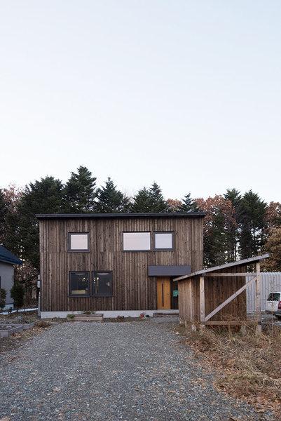 木の風合いが素敵な家
