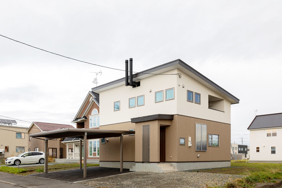 広いホールを持つパッシブ換気の家